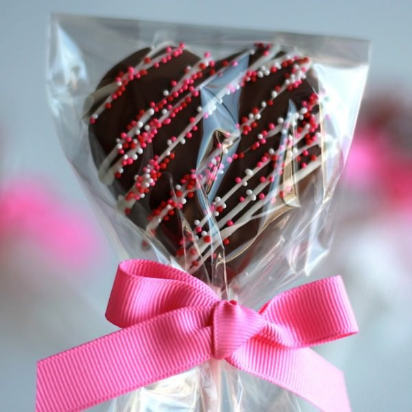 Mini Sweetheart Brownie Pops